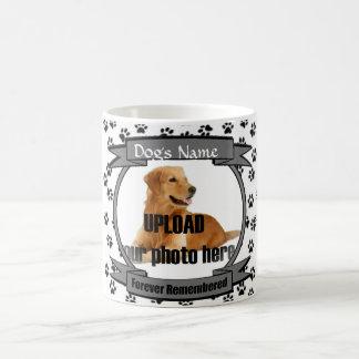 La pata imprime el recuerdo del monumento del perr taza