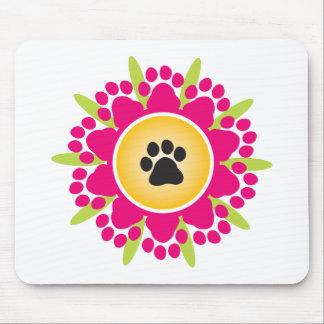La pata imprime la flor alfombrillas de raton