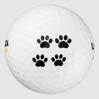 La pata imprime la pelota de golf