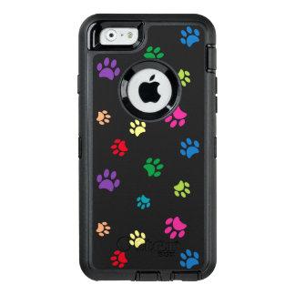 La pata pintada arco iris imprime (la oscuridad) funda OtterBox defender para iPhone 6