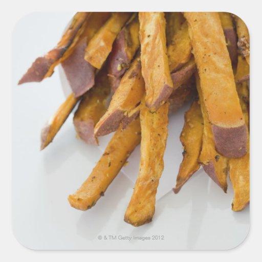 La patata dulce fríe en la bolsa de papel, cierre pegatina cuadradas personalizada