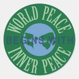 La paz de mundo comienza con la hoja interna del pegatina redonda