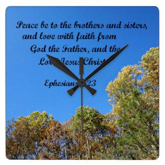 La paz del 6:23 de Ephesians esté a los hermanos y Reloj De Pared