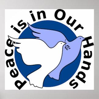 La paz está en nuestras manos póster