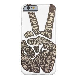 """La """"paz hacia fuera"""" diseña funda barely there iPhone 6"""