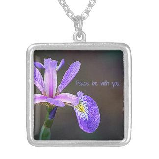 La paz sea con usted colgante del iris