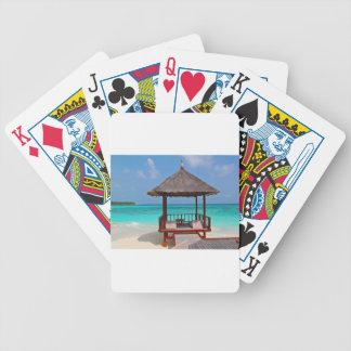 la paz tropical del paraíso de la choza de la barajas de cartas