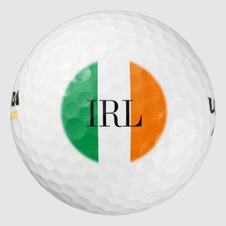 La pelota de golf irlandesa de la bandera fijó el pack de pelotas de golf