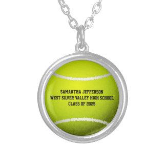La pelota de tenis personalizada se divierte el co collar plateado
