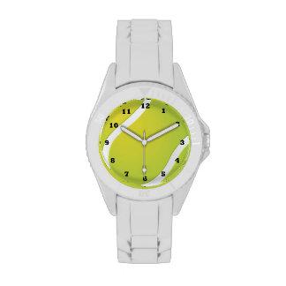 La pelota de tenis se divierte el reloj blanco del