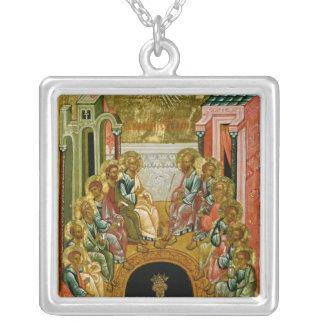 La pendiente del Espíritu Santo Collar Plateado