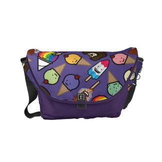 La pequeña bolsa de mensajero escarchada púrpura bolsa de mensajeria