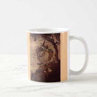 La pequeña bruja taza de café