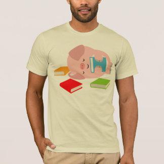 La pequeña camiseta del aficionado a los libros