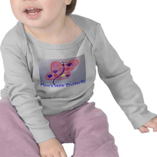 La pequeña mariposa de la mamá camisetas