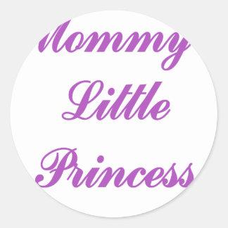 La pequeña princesa de la mamá pegatina redonda