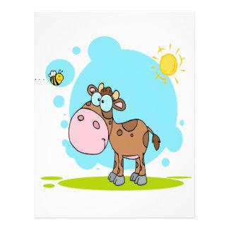 """la pequeña vaca linda y manosea la abeja en el sol folleto 8.5"""" x 11"""""""