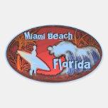 La persona que practica surf azul de Miami Beach l