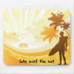 la persona que practica surf, deja la resaca la re alfombrillas de ratón