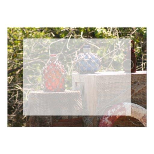 La pesca de cristal flota azul rojo en escena de l anuncio