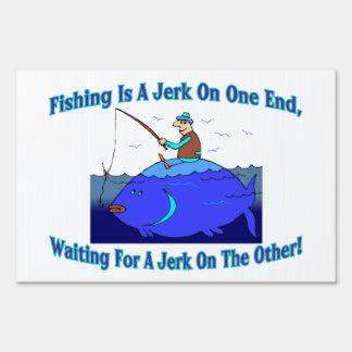 La pesca es un tirón en un extremo señales