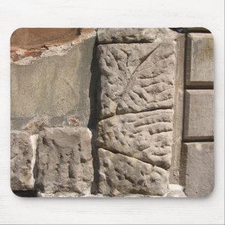 La piedra irregular bloquea el ratón de la foto de alfombrillas de raton