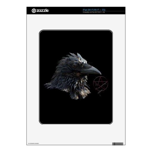 """""""La piel del iPad del cuervo del señor"""" cuervo del iPad Calcomanía"""