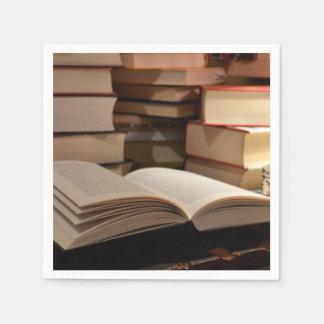 La pila de libro de TBR Servilleta De Papel