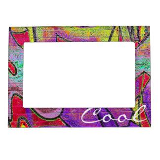 La pintada pone letras al marco magnético marcos magnéticos de fotos