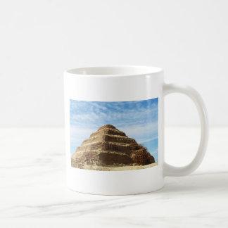 La pirámide de Djoser - Saqqara, Egipto Taza De Café