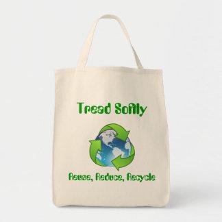 La pisada recicla suavemente el bolso de la lona bolsa tela para la compra