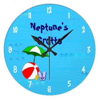La piscina de la pelota de playa juega números de reloj redondo grande