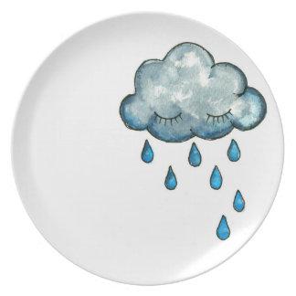La placa de los niños soñolientos de la nube plato
