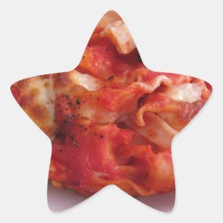 La placa del hogar hecha coció las pastas en el pegatina en forma de estrella
