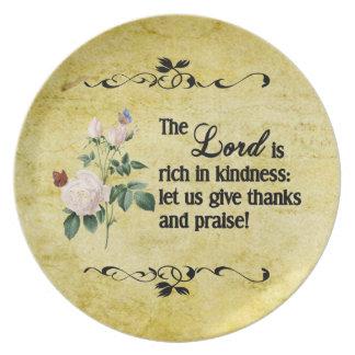 La placa del personalizado de señor Is Rich In Kin Platos De Comidas