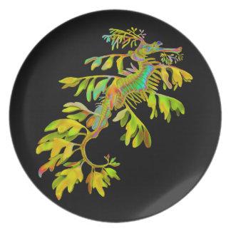 La placa psicodélica del arte del dragón del mar platos