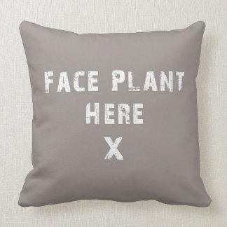 La planta de la cara aquí soporta almohada