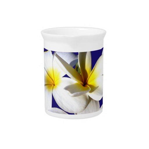 la planta del ti florece back.jpg azul blanco amar jarrón
