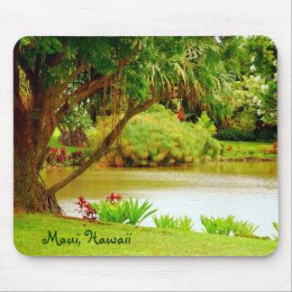 La plantación tropical de Maui cultiva un huerto l Tapetes De Ratón