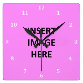 La plantilla de encargo blanca de los números de reloj cuadrado