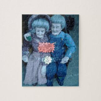 La plantilla de la exhibición de la muñeca del rompecabezas con fotos