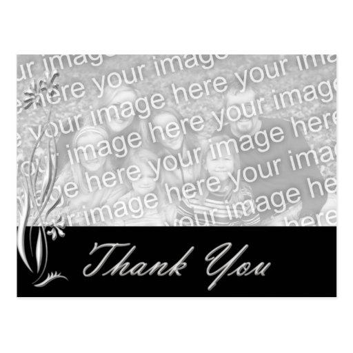 La plantilla floral negra de la foto le agradece postales