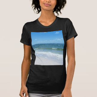 La playa agita III Camiseta