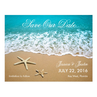 La playa con las estrellas de mar ahorra la tarjet postales