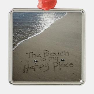 La playa es mi lugar feliz adorno cuadrado plateado