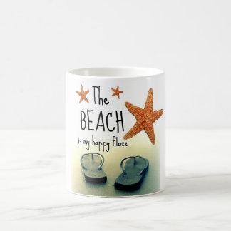 La playa es mi taza feliz de los flips-flopes del