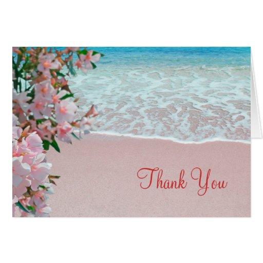 La playa rosada de la arena le agradece las tarjet tarjeta