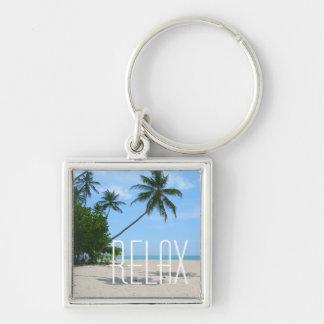 "La playa tropical de la isla ""relaja"" llavero"