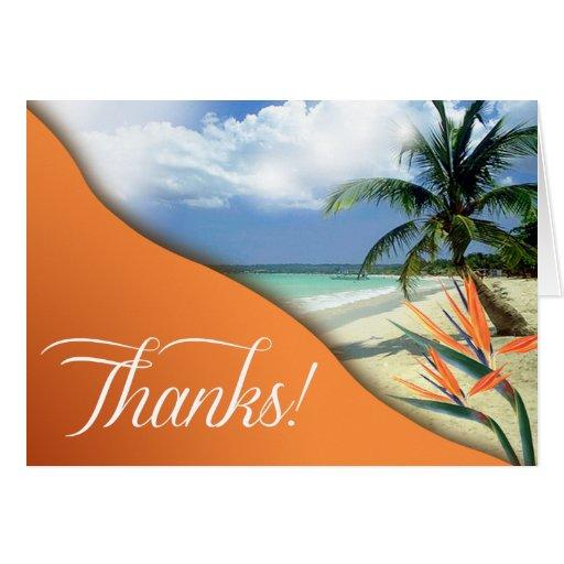 La playa tropical de las aguas de la esmeralda le tarjeta