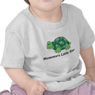 La poca estrella de la mamá camisetas